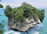 Pantai Karang Bokor