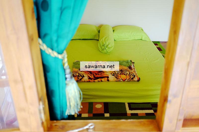 Tempat Tidur Kamar Standar AC Sinar Matahari Resort