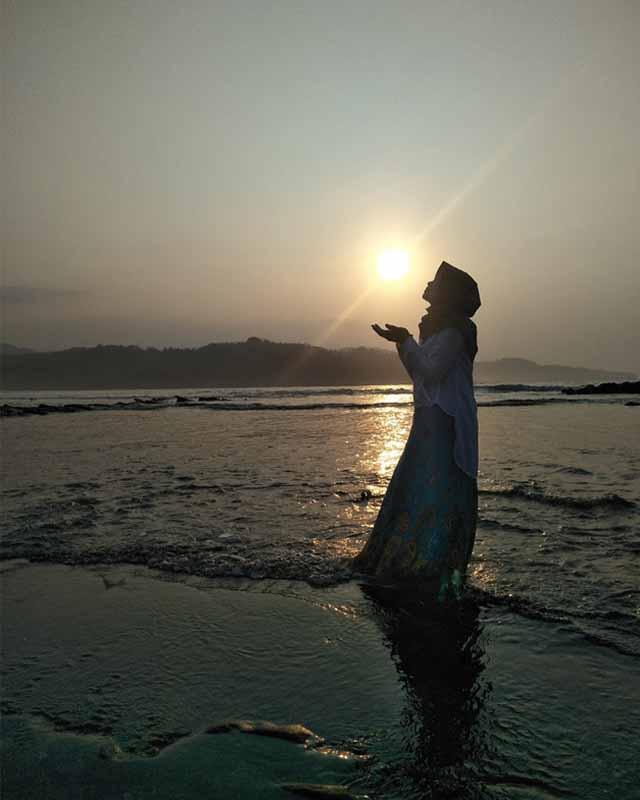 Sunrise Pantai Karang Beureum