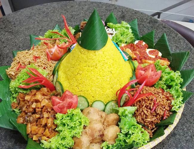 Nasi Tumpeng Sawarna